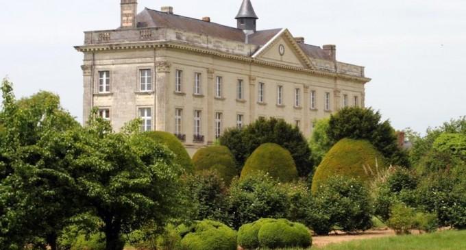 Restored château €1400000 eur