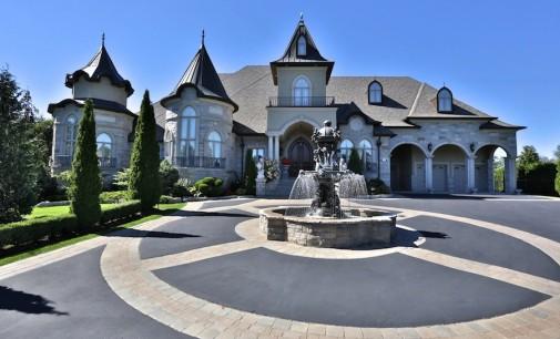 Magnificent Custom Mansion – $3,298,000 CAD