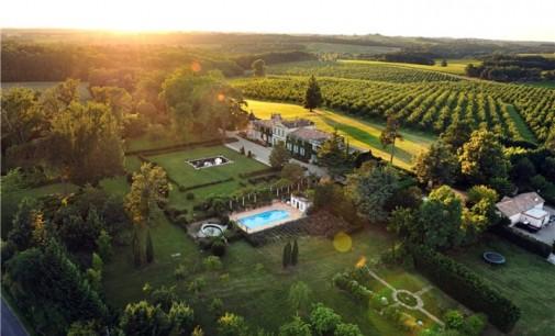 Palladian-Style Château – €2,700,000 EUR