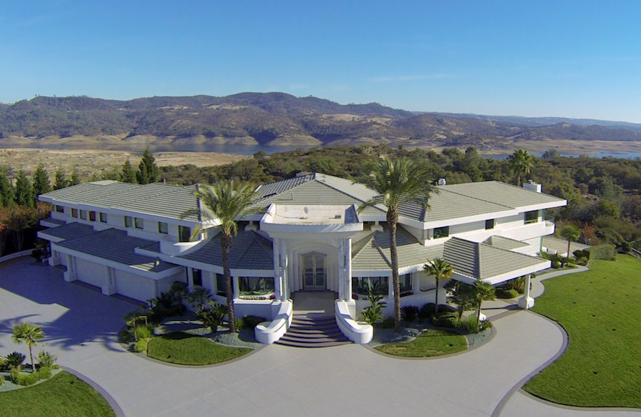 Pizza Hut Large Pizza Size >> Granite Bay Mountaintop Estate - $12,000,000 - Pricey Pads