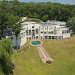 22,000 Sq. Ft. Minnesota Mansion Sells for $2.6 Million (PHOTOS)