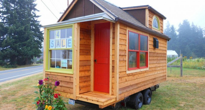 Stupendous Tiny Cabin On Wheels Listed For 30 000 Pricey Pads Largest Home Design Picture Inspirations Pitcheantrous
