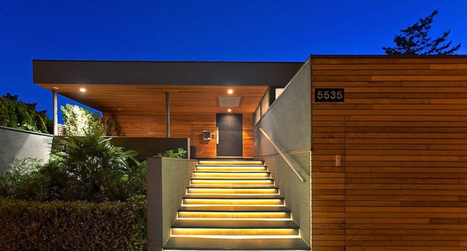 Dramatic Contemporary Residence – $6,395,000 CAD