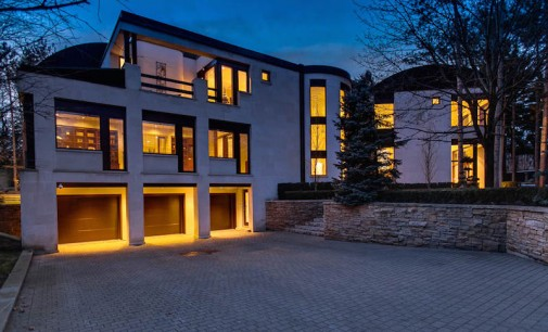 Mississauga Mansion Heading to Auction