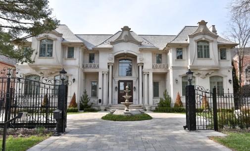 Opulent Bridle Path Mansion – $14,688,600 CAD