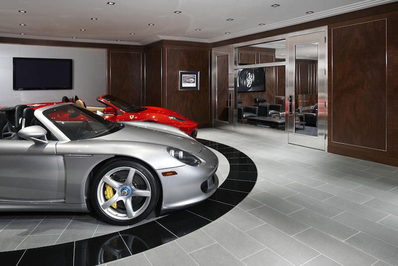 20-Car-collectors-dream-showroom-with-turntable