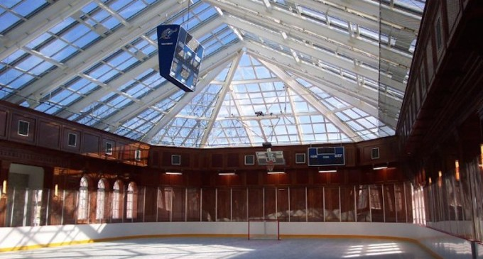 14 Homes with Private Ice Rinks (PHOTOS)