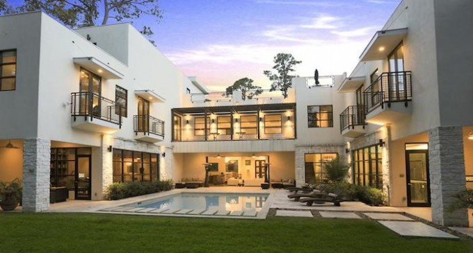 Sophisticated Modern – $5,190,000
