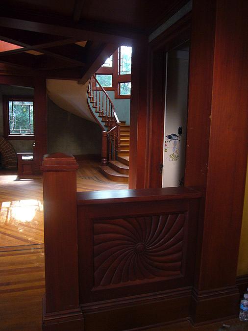 Medium_111200894406PM_web-foyer-detail