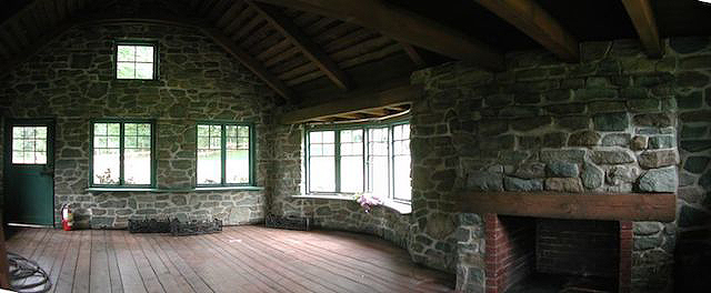 Medium_1132008101245PM_web-AWDY-interior-cottage