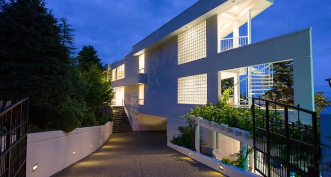 Landmark West Vancouver Home – $4,080,000 CAD