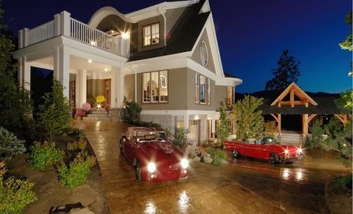 Custom Car Collector's Home – $2,546,900 CAD