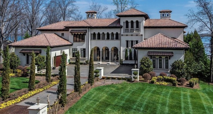 Cornelius Waterfront Estate – $4,950,000