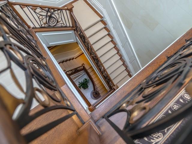 3090-rue-jean-girardrue-privee-ville-marie-montreal-827_stairs_-9