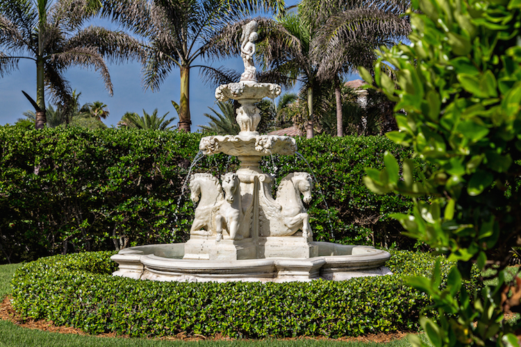 41__front_fountain