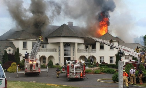 Massive Fire Destroys Connecticut Mansion (PHOTOS)