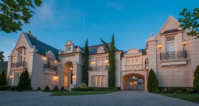 Estates Of The Oaks – $9,995,000