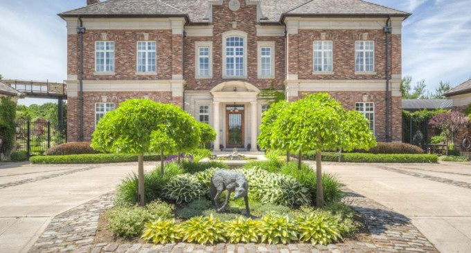 The Villa Florentine – $19,995,000 CAD