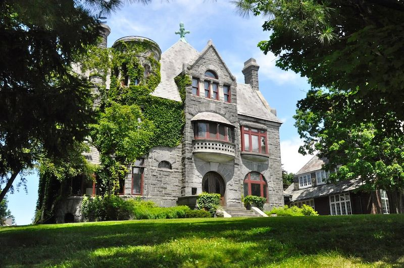 Own this historic albany castle for 950k pricey pads for 10 thurlow terrace albany ny 12203