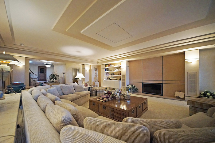 40-Family-Room
