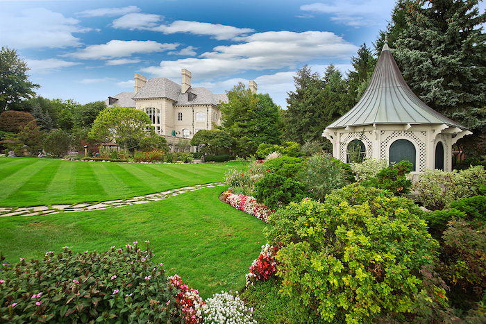 44-Lavish-Gardens