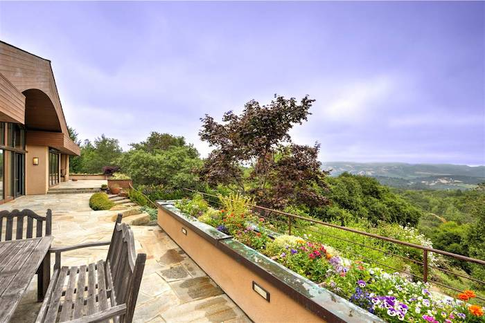 _full_5b34afbb-584c-4ac8-9bbb-7bd6d715ba89-635399205313543750-patio_with_flowerbeds_and_view___06