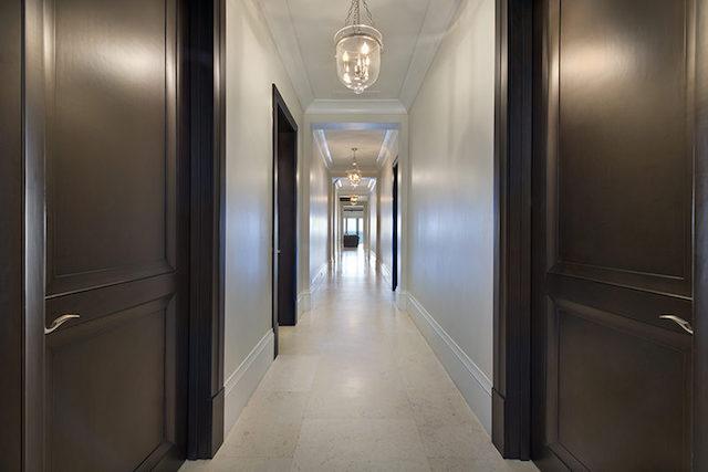 09-Hallway