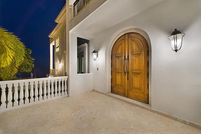 40-Front_Door