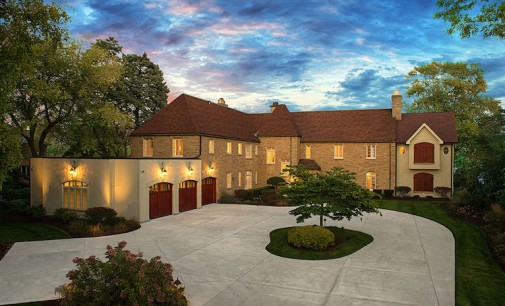 Lake Michigan Estate to be Auctioned to Highest Bidder (VIDEO)
