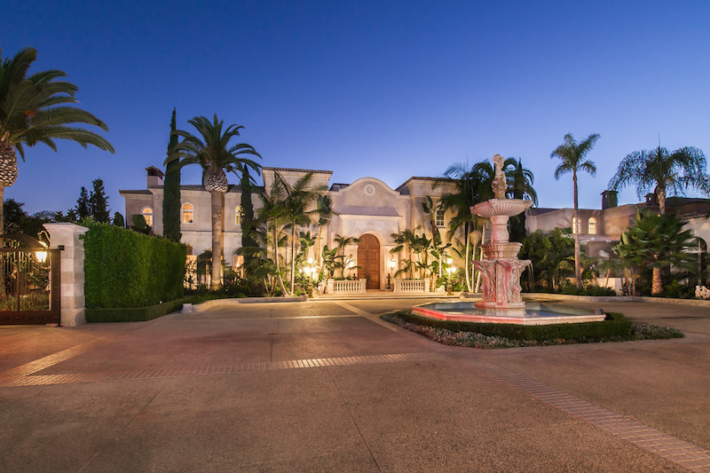 25-Acre Beverly Hills Compound Lists for $195-Million (PHOTOS)