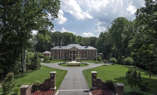 Gracious Custom Estate – $6,950,000