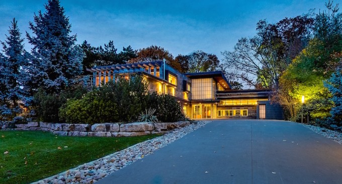 Spectacular Contemporary Residence – $4,980,000 CAD