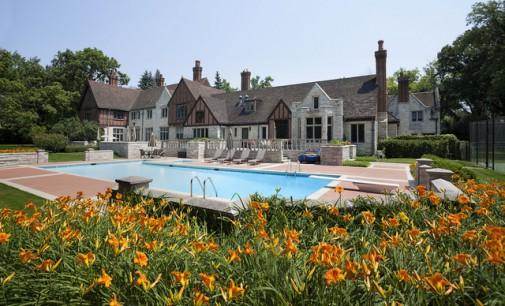 Breathtaking Private Retreat – $5,400,000
