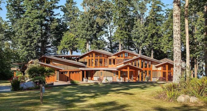 West Coast Contemporary – $4,500,000 CAD