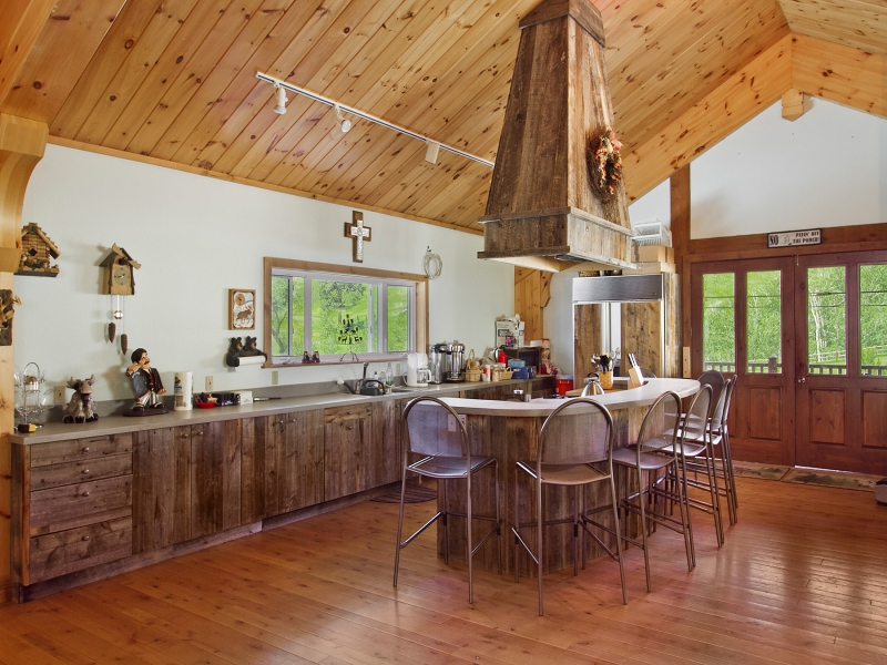 Impeccable Log Home 8 900 000 Pricey Pads