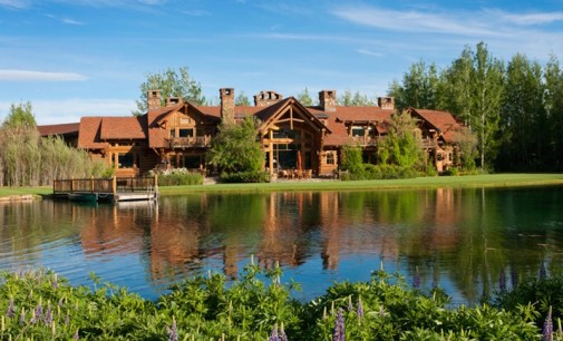 Custom Log Estate – $10,900,000