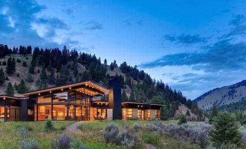 Gallatin River Bank House by Balance Associates, Architects