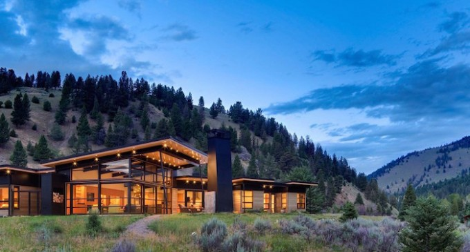 Gallatin River Bank House by Balance Associates, Architects