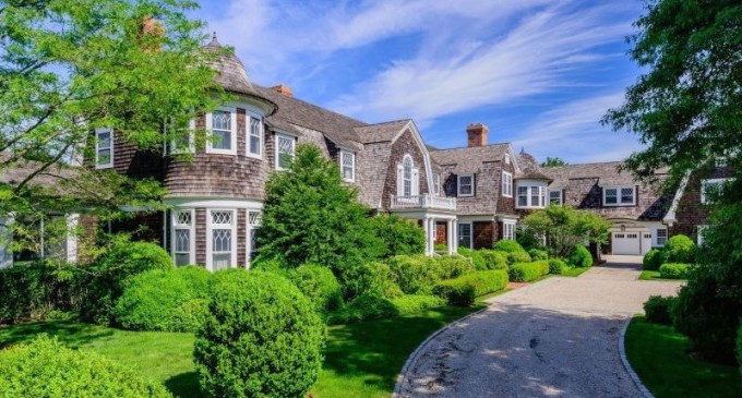 Magnificent Shingle-Style Mansion – $25,800,000