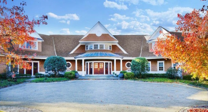 Gated Shingle-Style Residence – $3,100,000
