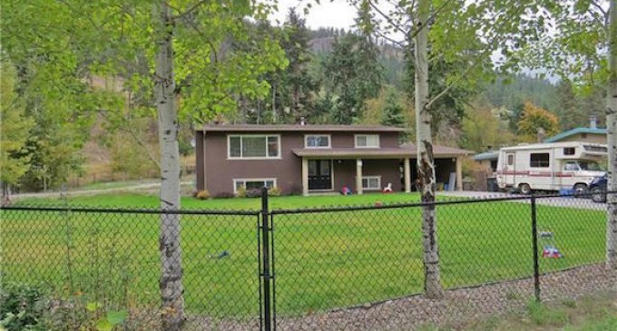 Horribly Photographed Kelowna Home Asks $409K