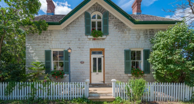 $1.1-Million CAD Buys the Cutest Limestone Cottage in Ontario (PHOTOS)