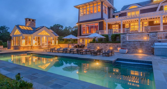 Classic Water Mill Residence 10 000 000 Pricey Pads