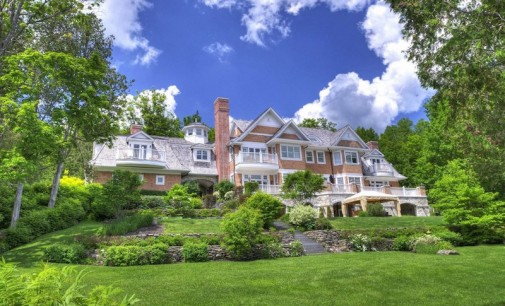 Shingle Style Lakefront – $8,950,000 CAD