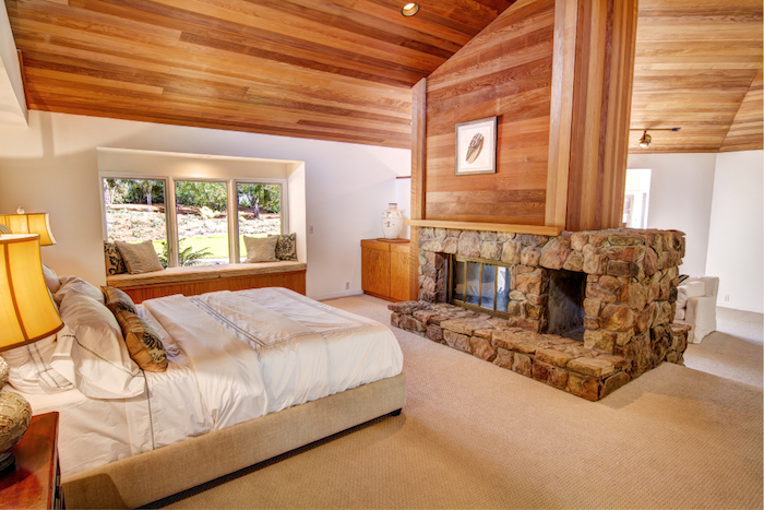23-2nd-bedroom-with-fire-place