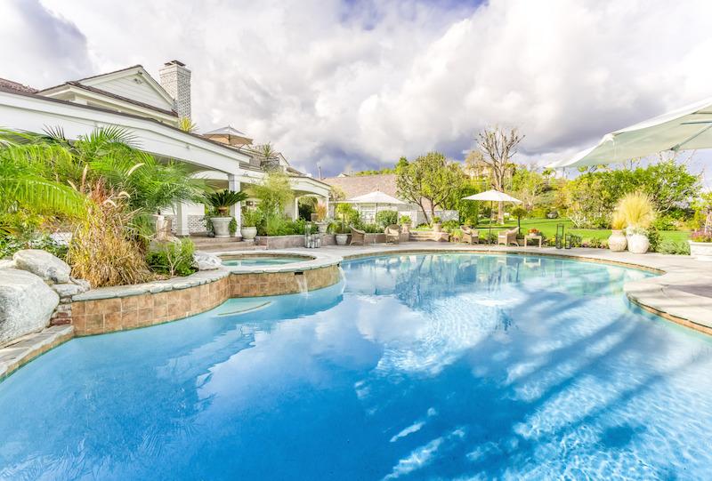 25067-Jim-Bridger-26-pool-back-of-house-e1422398783578