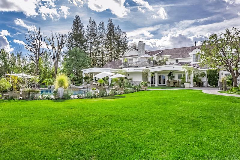 25067-Jim-Bridger-27-grounds-pool-house-e1422398770393