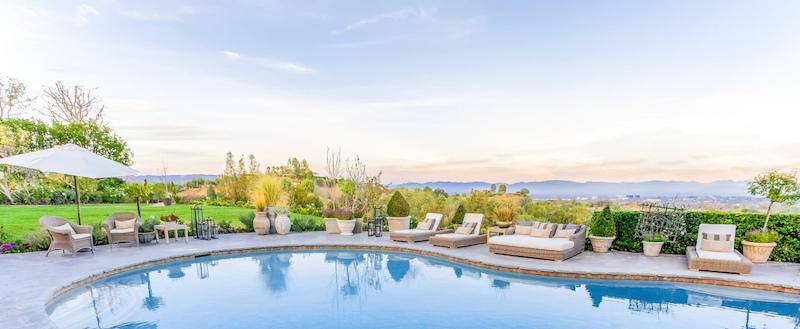 25067-Jim-Bridger-28-view-spa-pool-backyard-e1422398692552