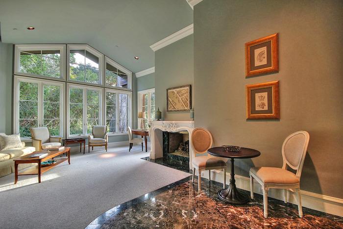 27-guest-suite-living-room