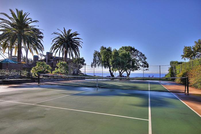 31-tennis-court-to-ocean